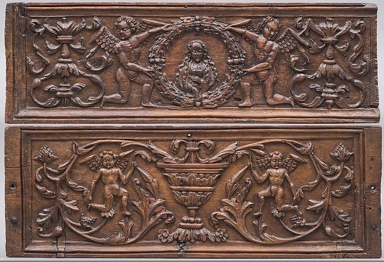 panneau de coffre en bois de ch ne moulur et sculpt d 39 un d. Black Bedroom Furniture Sets. Home Design Ideas