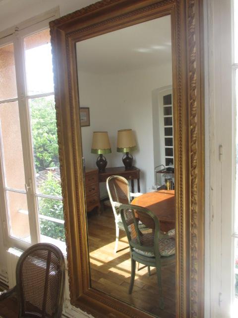 ancien cadre de tableau en stuc dor transform en miroir. Black Bedroom Furniture Sets. Home Design Ideas