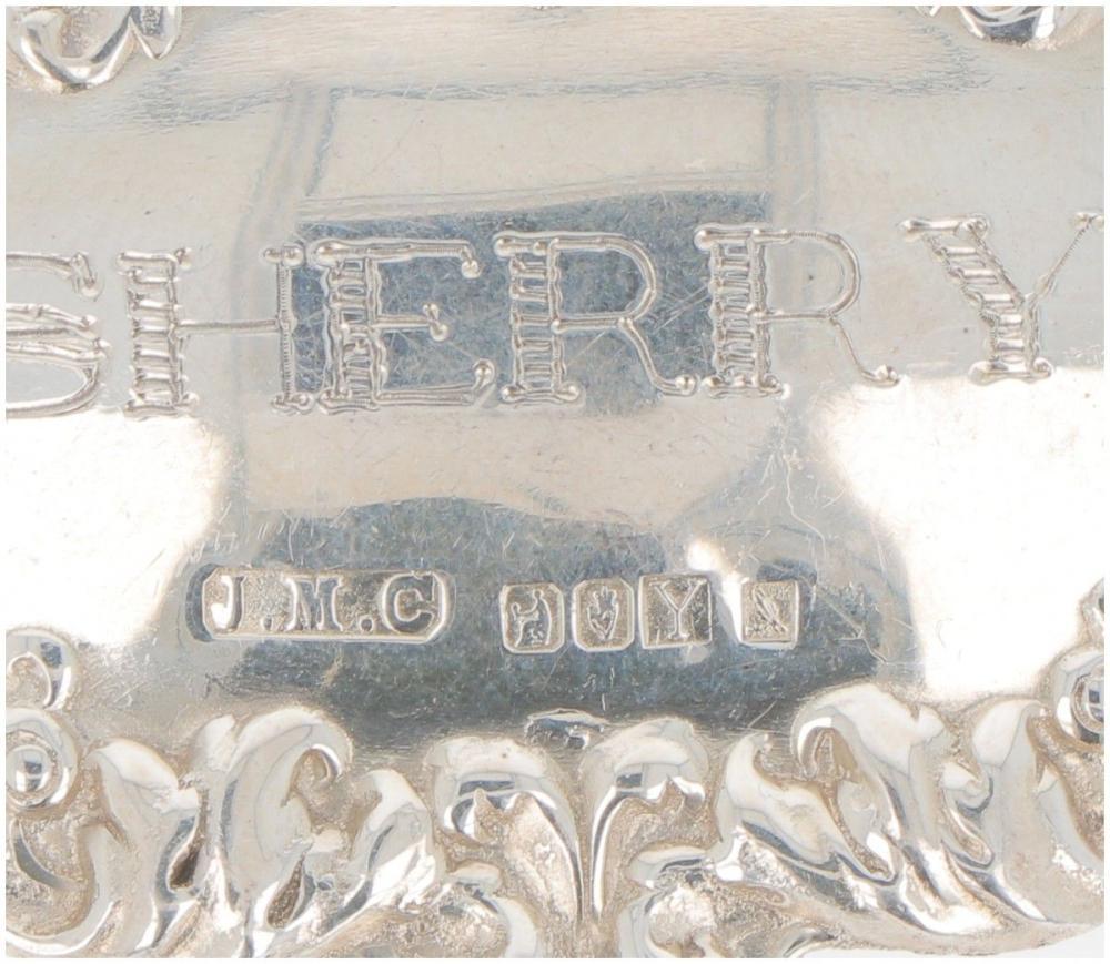 (3) piece lot bottle labels silver.