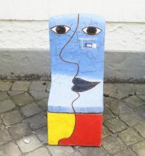 Jan Snoeck (1927-2018), glazed ceramic chair, Blue face, dim. 64 x 29 x 34 cm.