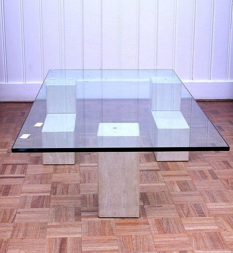 Glazen salontafel op marmeren onderstel