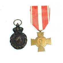 Twee Franse medailles.