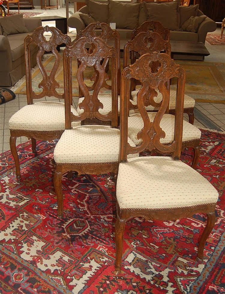S rie de six chaises li geoises sculpt es d poque louis xv for Chaises louis xv cannees