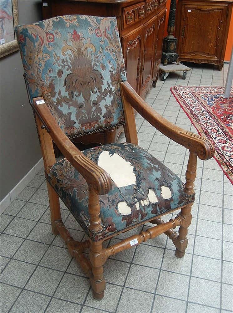 fauteuil dossier inclinable les pieds avants et entretois. Black Bedroom Furniture Sets. Home Design Ideas