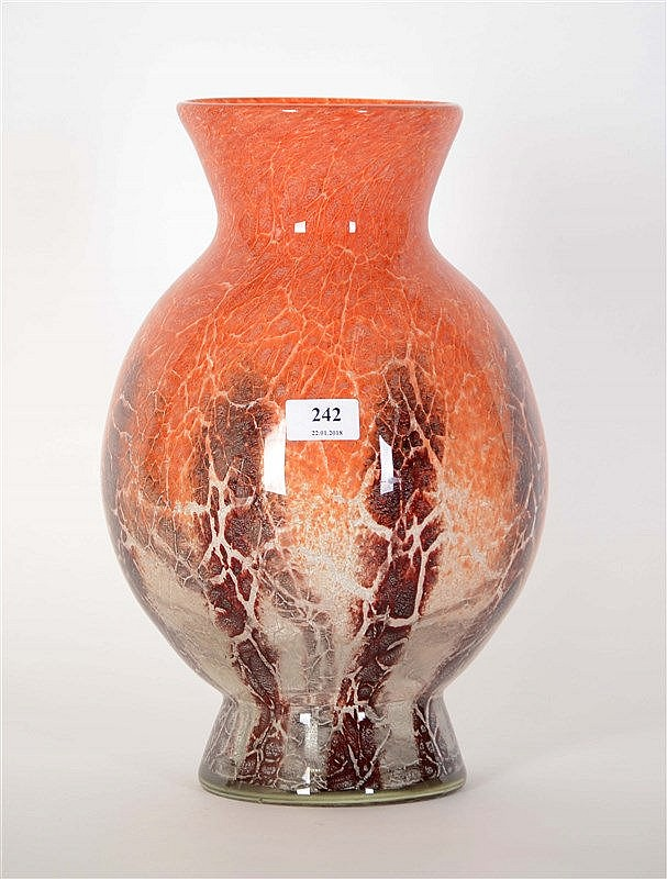 w m f vase pansu en verre teint marbr rouge hauteur 37. Black Bedroom Furniture Sets. Home Design Ideas