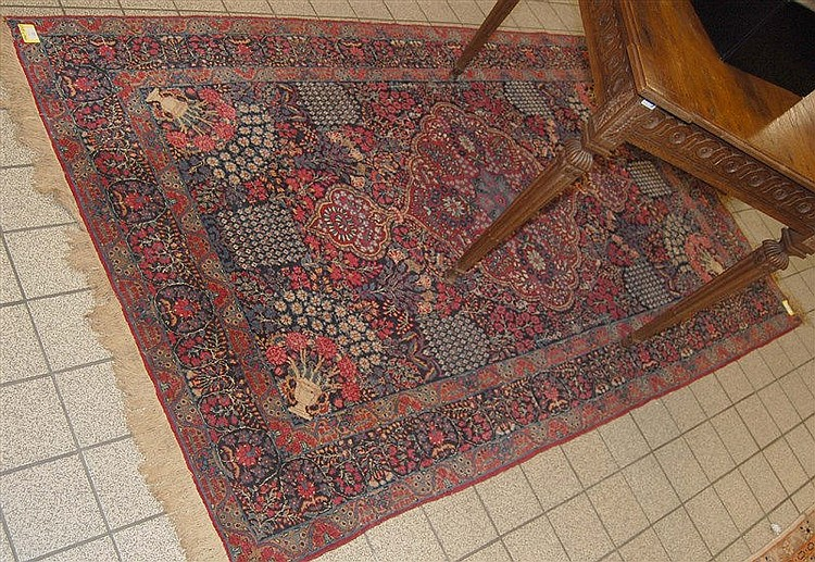 tapis ancien et fin tapis d orient dimensions 238 cm x. Black Bedroom Furniture Sets. Home Design Ideas