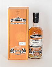 Finest single grain scotch whisky - Une bouteille - Caisse en bois d'origin