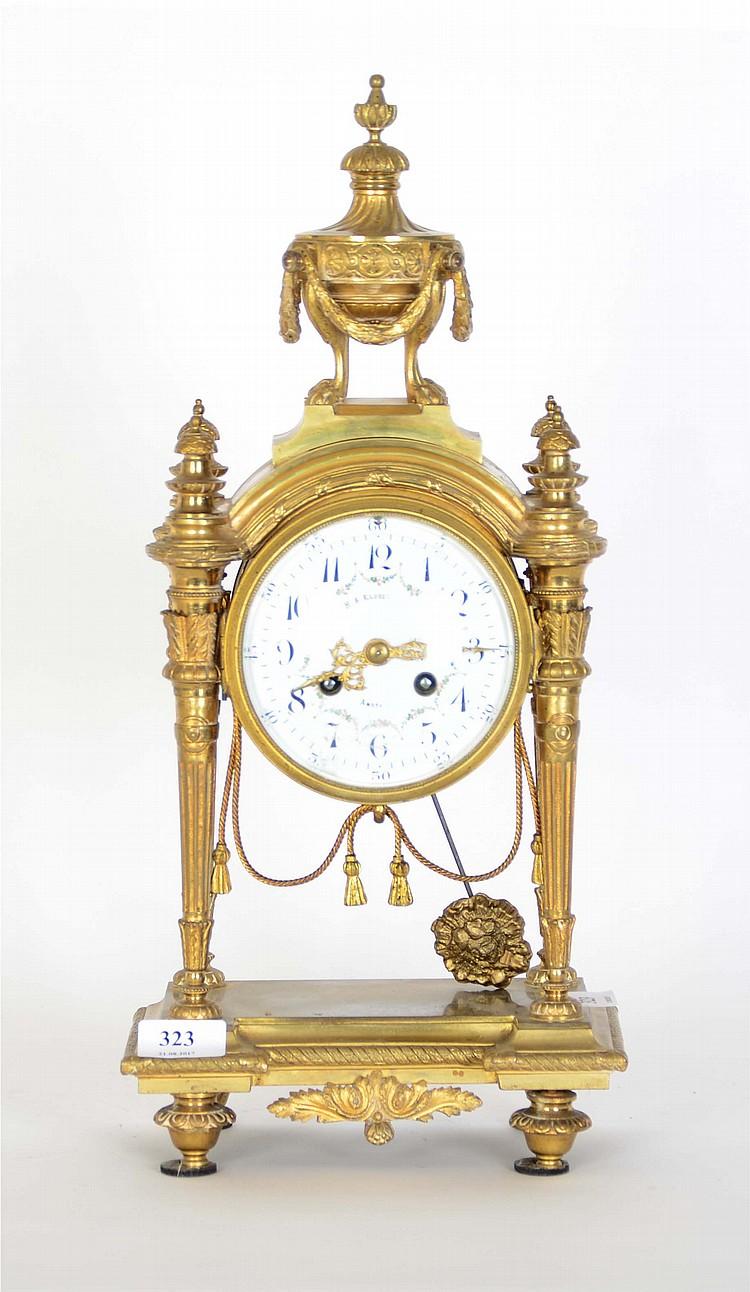 horloge de chemin e portique en bronze dor de style louis x. Black Bedroom Furniture Sets. Home Design Ideas