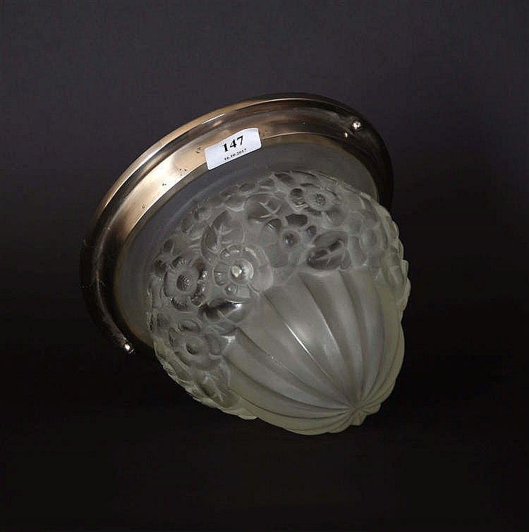 plafonnier art d co obus en verre moul d poli d cor fl. Black Bedroom Furniture Sets. Home Design Ideas
