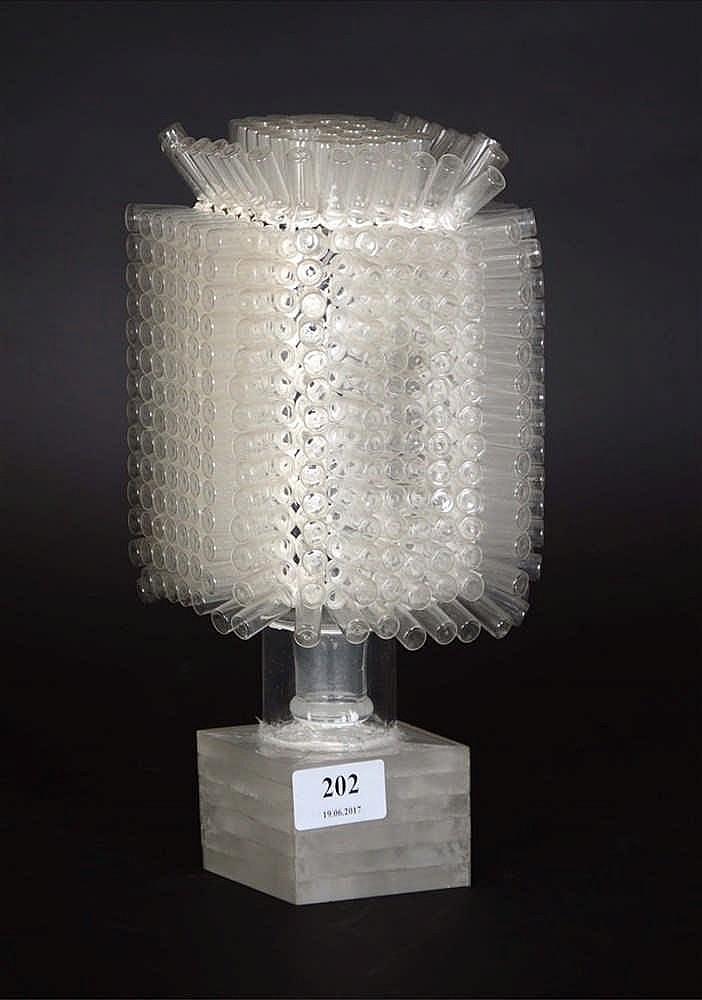 Hellewegen willysculpture en verre sous plexi hauteur 27 - Sous verre en plexiglas ...
