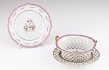 A pierced Qianlong basket and tray