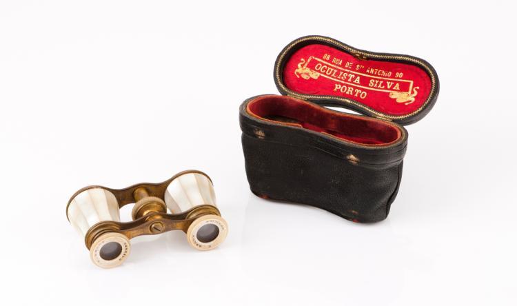 Theatre binoculars