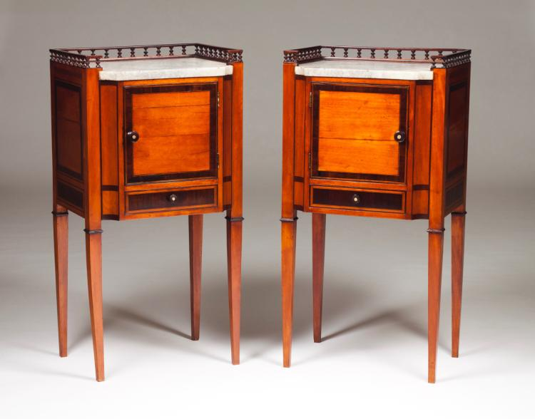 A pair of D. Maria (1777-1816) side tables