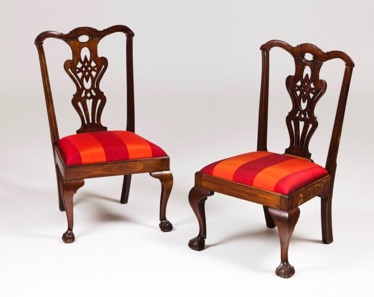 A pair of D. João V/ D. José style low chairs