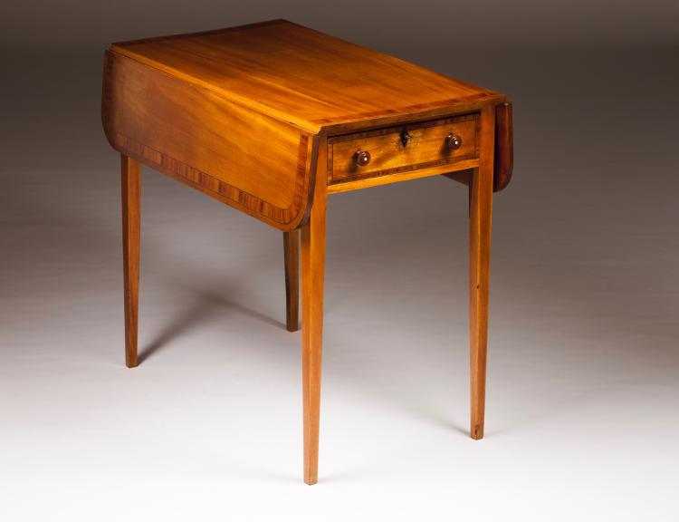 A D. Maria (1777-1816) twin-flat top table