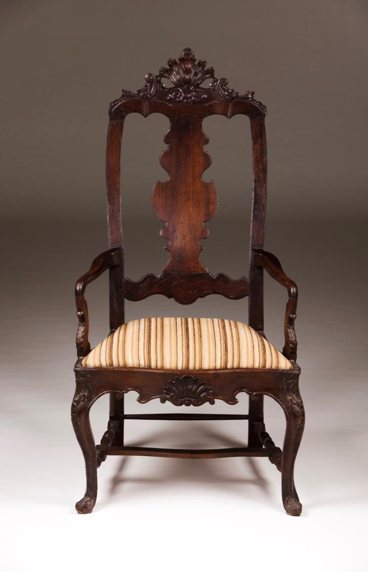 A D. João V/ D. José style armchair