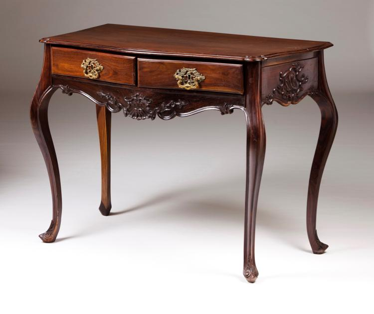 A D. José style side table