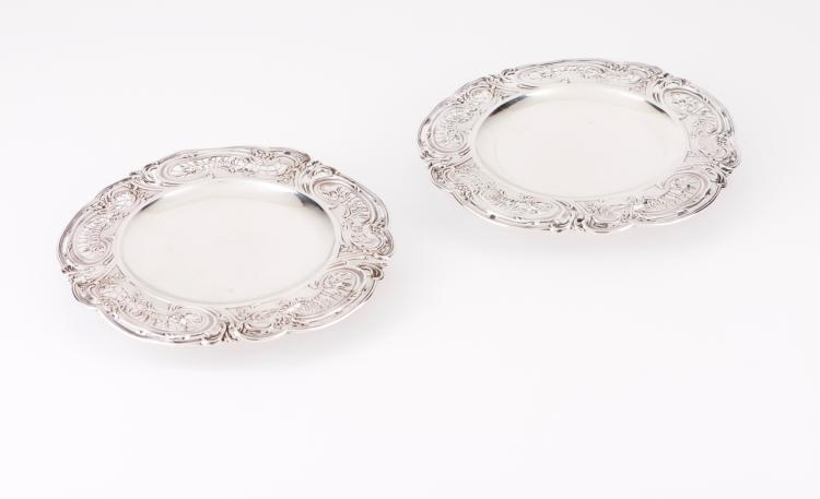 A pair of Belle-Epoque silver salvers