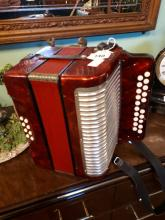Hohner button accordian Band C.