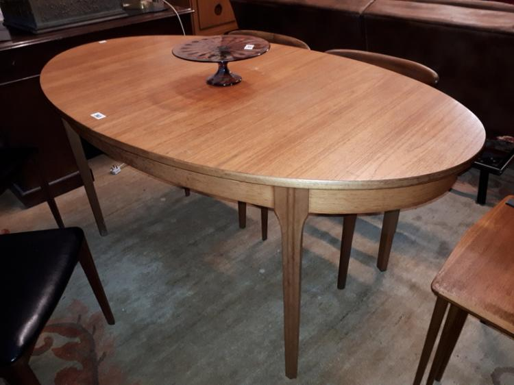 1970s Danish Rosewood Dining Table With Pull Out Leaf