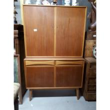 1970's retro teak dresser two blind doors over two drawers. (170 cm H x 93