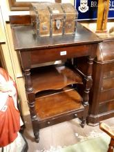 19th. C. mahogany clerk's desk with inset leather top.