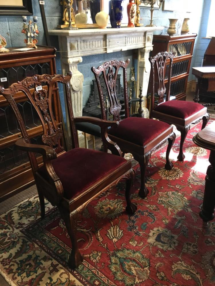 four plus two mahogany dining room chairs in the chippendale