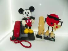 LOT OF 2 VINTAGE PHONES - DISNEY MICKEY MOUSE PHONE & 7