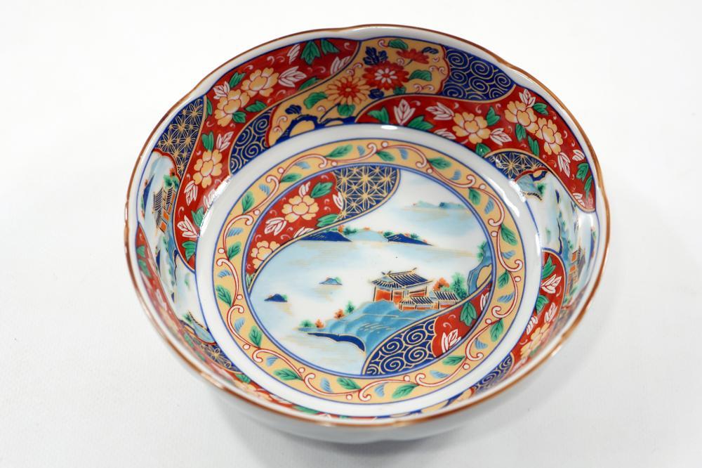 Colorful Japanese ceramic bowl Handmade painting Signed diameter 15.5 Height 5 cm