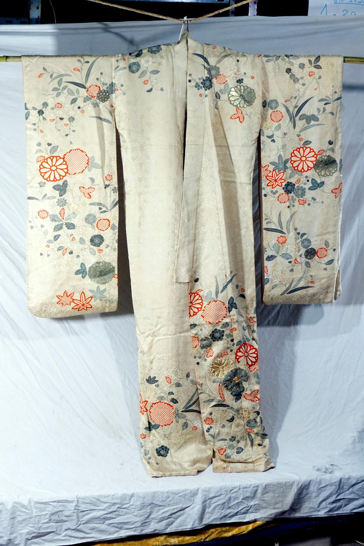 Traditional Japanese kimono size 123 * 163 cm