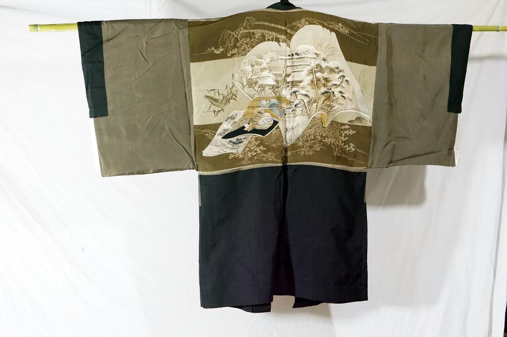 Traditional Japanese kimono size 130 * 97 cm