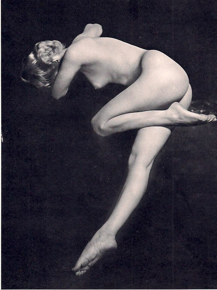 Lorelle, Lucien - Low Key Nude