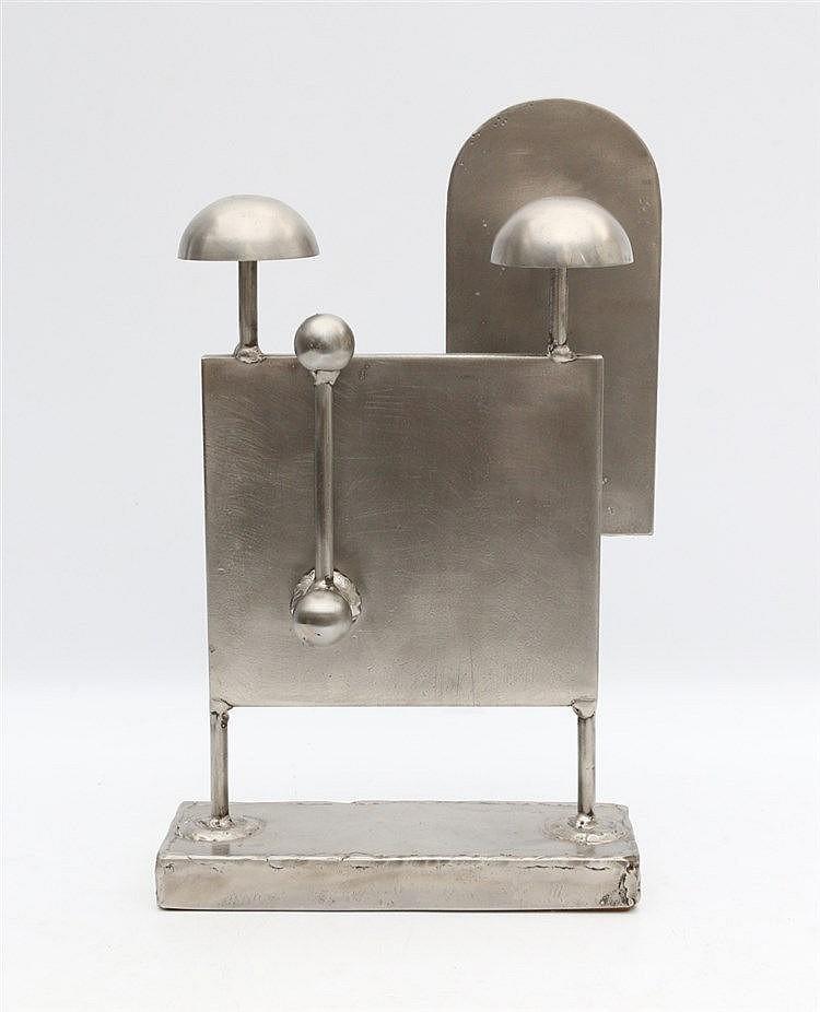 Kor Bekker (1928-1980) A metal sculpture. Signed. Hoogte 34 cm.