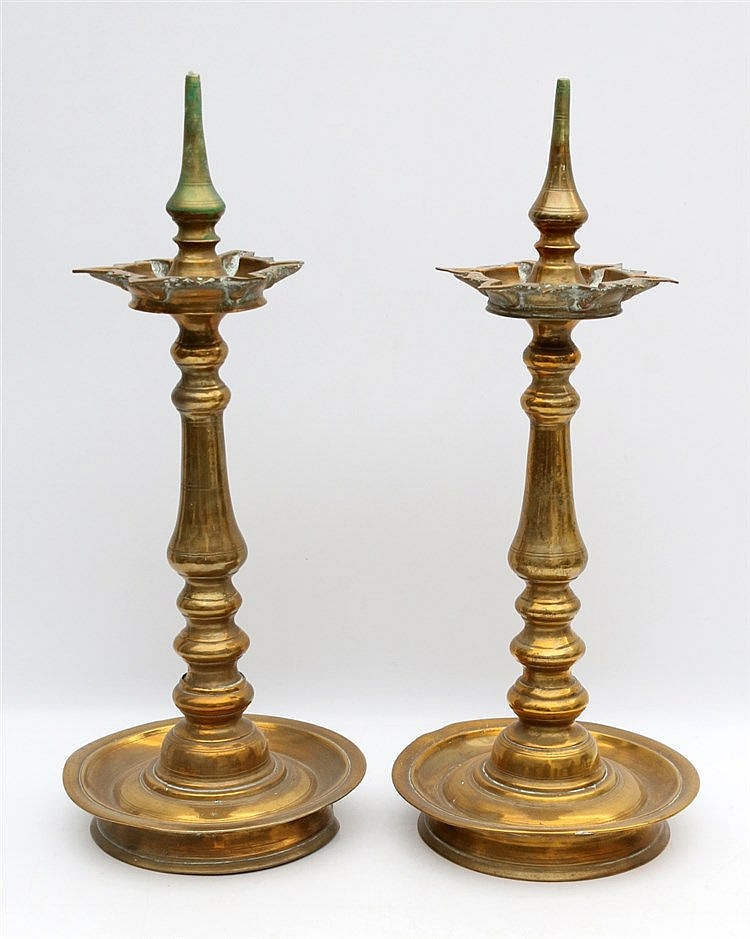 A pair of pricket candle sticks. Oriental, 20th century. Hoogte