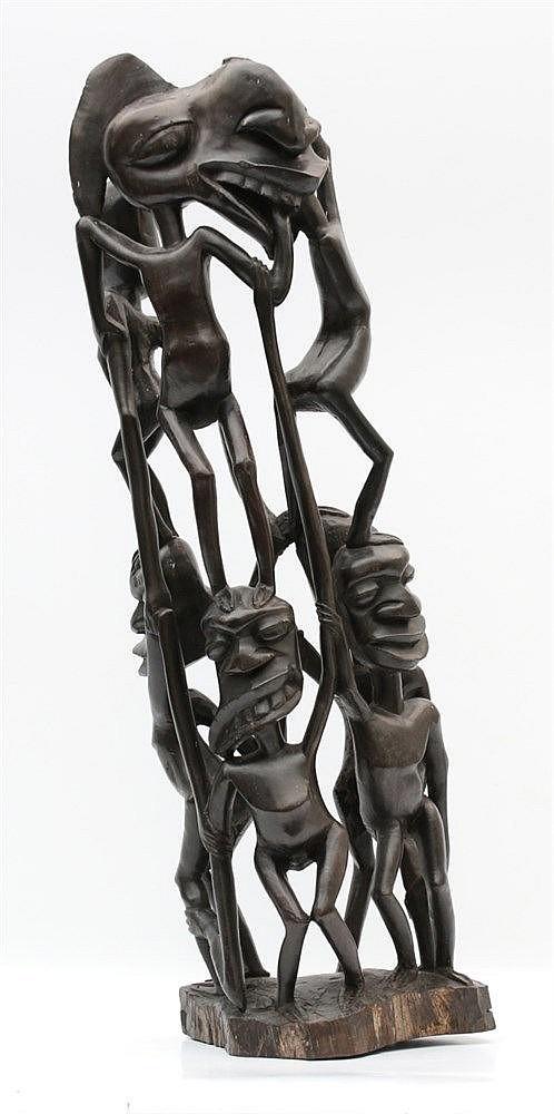 An ebony Shetani sculpture, Makonde tribe, Tanzania. Hoogte 70 c