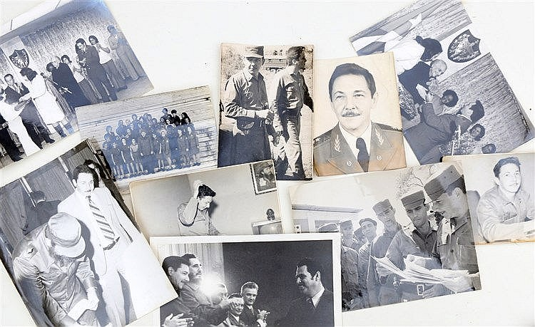 Ten photographs with Raúl Castro. (10x)