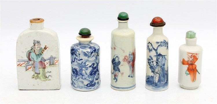 Five various blue and white and famille rose porcelain snuff bot