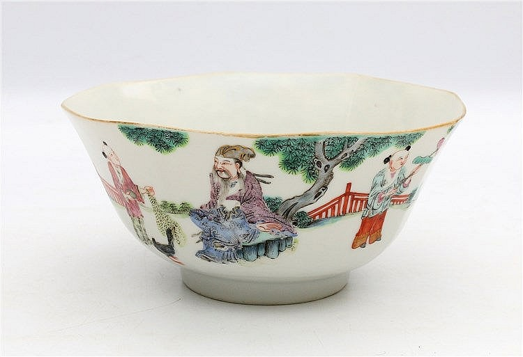 A Chinese famille rose octagonal bowl, the exterior decorated wi