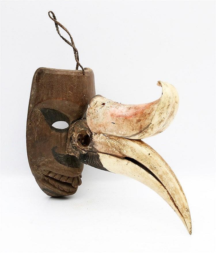 A Batak Hoda Hoda mask, Northern Sumatra. 20th century. Hoogte 2