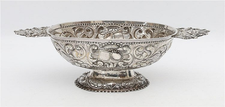 Dutch silver brandy bowl. Sneek,1737. Mastermark unclear. The ov