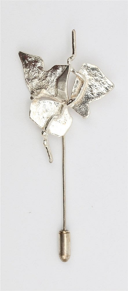 Silver pin by Anneke Schat, Dutch jewellery artist.