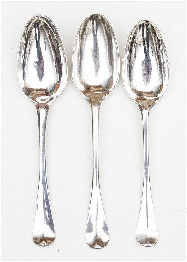 Three silver table spoons. Dordrecht 1773, 1779 en 1782. Two wit