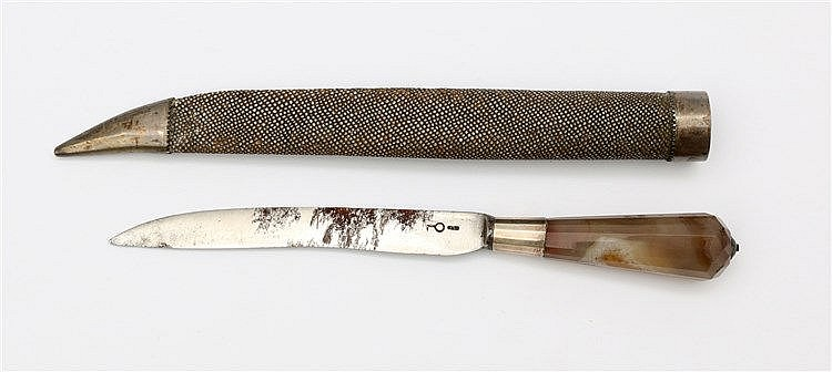 Knife for travel in shagreen case, 18th / 19th century. Associat