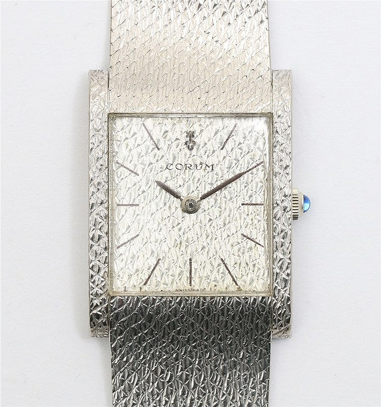 White gold watch, Corum Vintage. Ref 8765. Handwinding. Dial in