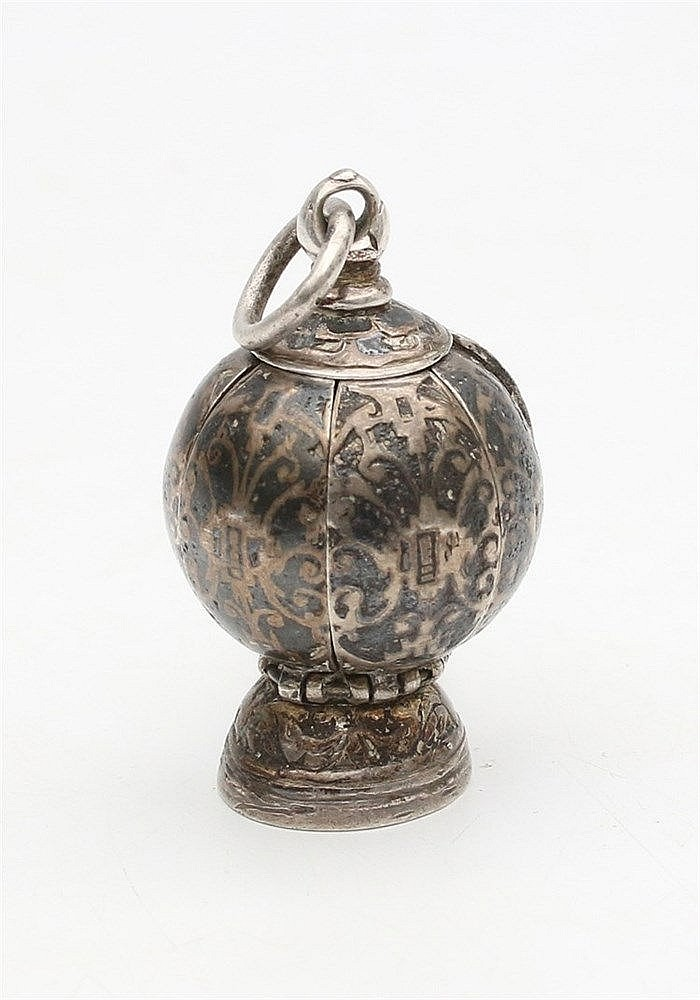 Silver pomander with niëllo decoration. 19th century. Diameter 2
