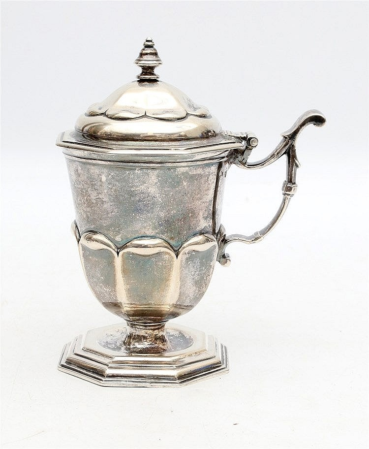 Silver mustard pot. Groningen 18th / 19th century. Marked HS and