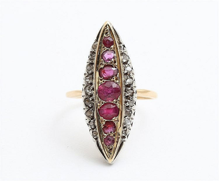 Diamond and ruby set 18 krt yellow gold ring. Ringmaat 17,5.