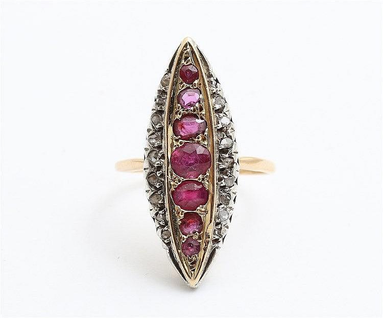 Diamond and ruby set 18 krt yellow gold ring. Ringmaat 17,5.