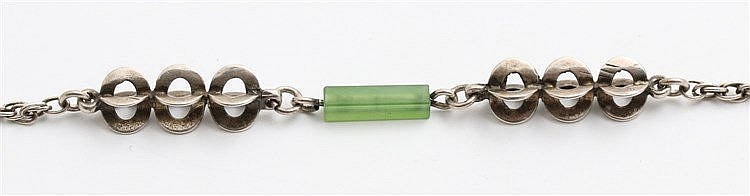 Silver and jade necklace Scandinavian design, 1970's. Lengte 90