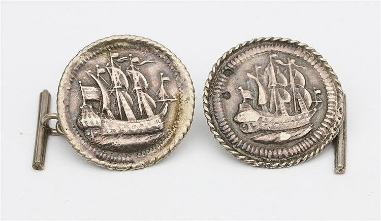 Pair of silver cuff links. Amsterdam circa 1800.